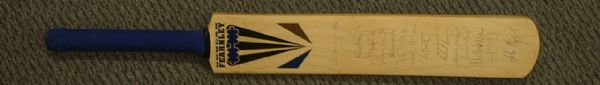1996 - SURREY COUNTY CRICKET CLUB - Autographed Bat